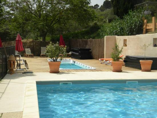 piscine puis spa de nage photo de l 39 oustaou du luberon villelaure tripadvisor. Black Bedroom Furniture Sets. Home Design Ideas