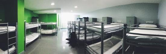Alberguinn Sants Youth Hostel : photo1.jpg