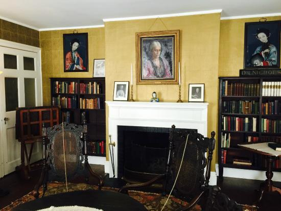 Nichols House Museum: Fascinating Interior