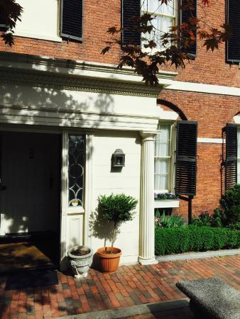 Nichols House Museum: Front Door