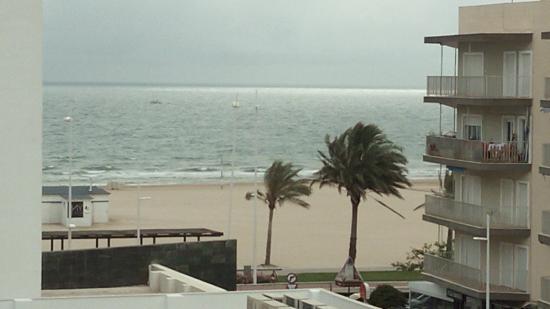 Hotel RH Bayren Parc: vista playa desde el hotel