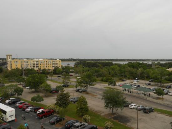 Holiday Inn Express Charleston Downtown - Ashley River: View from room
