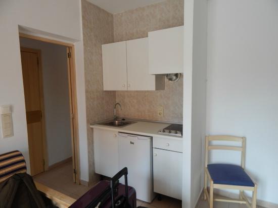 wohnzimmer mit küche - picture of hsm club torre blanca, sa coma
