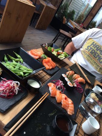 Kazoku sushi bar