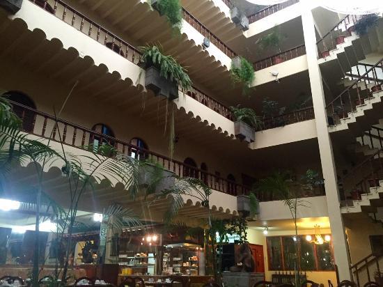 Royal Inka II : Lobby area