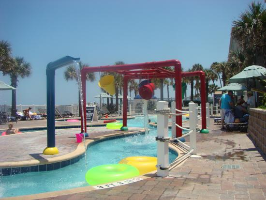 The Cove on Ormond Beach: The pool