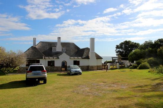 La Gratitude Villa: The entrance to the house