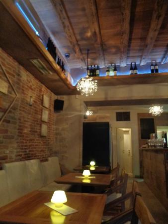 Salle foto van wine cheese bar paradox split tripadvisor - Fotos van salle d eau ...