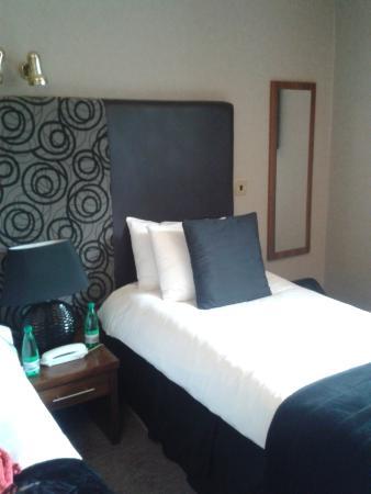 Glazert Country House Hotel: Spacious room