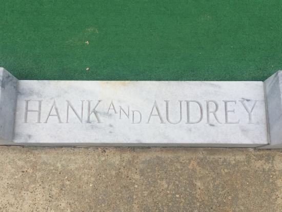 Montgomery, AL: Hank Williams Memorial - Oakwood Annex Cemetery