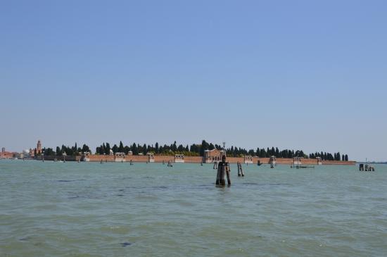 Isola San Michele, Italie : Veduta d'insieme
