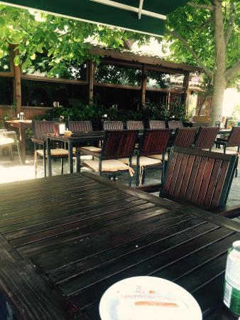 Le jardin cafe restaurant sel uk restoran yorumlar for Restaurant jardin 92