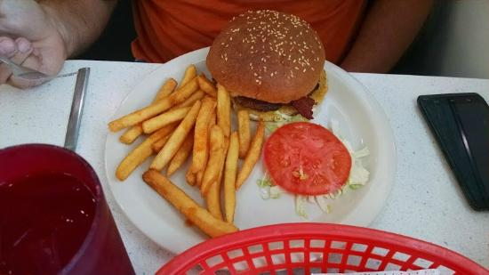 Penny's Diner: Burger