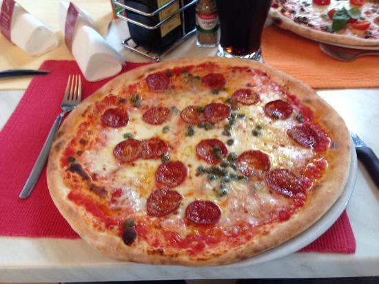 's Rossl - Cavallino: Pizza Arrabiata mit Kapern :-)