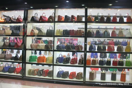 Dragon Mart: Handbags