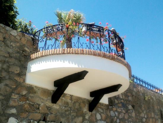Marbella Inn: Balcon sur le