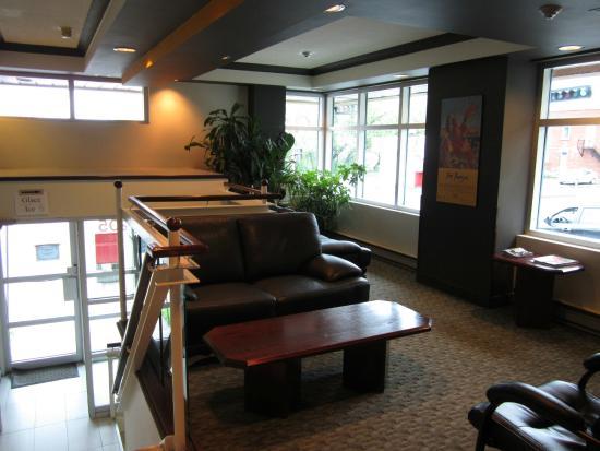 Auberge de la Gare: Hotel Lobby - Reception