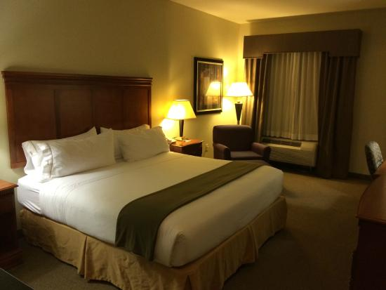 Holiday Inn Express Hotel & Suites Ada: King Room