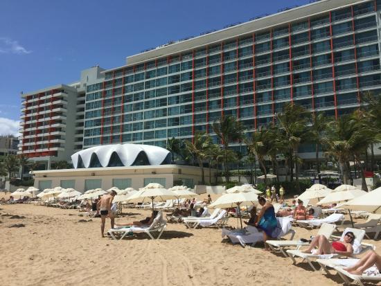La Concha Renaissance San Juan Resort: Back looking view of hotel from the beach