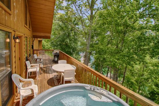 Holly Creek Resort U0026 Marina: Most Cabins Have Hot Tubs With Views Of  Beautiful Dale. Our Marina Located On Beautiful Dale Hollow Lake
