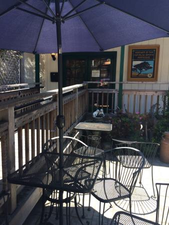 Sandy's Deli & Bakery: Patio - seats about 20 all in