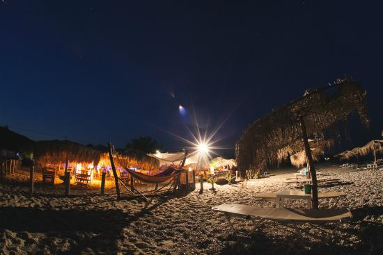 Maori Beach Bar