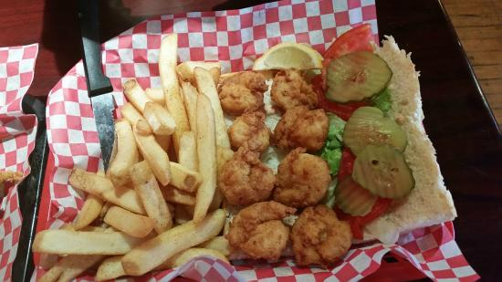 Fords Oyster House and Cajun Kitchen: shrimp po'boy