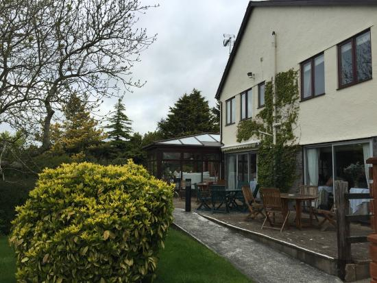 Llanddeiniolen, UK: Rear view of the hotel