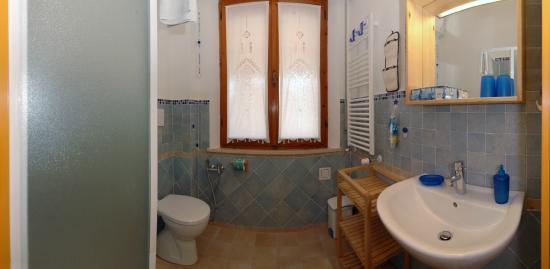 B&B Casa Certosa: Bagno Camera Rossa