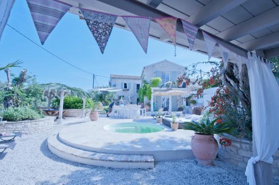 Vellianitatika Retreat: view of the accommodation
