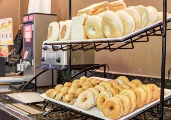 Comfort Inn Blythewood: Full Breakfast Options