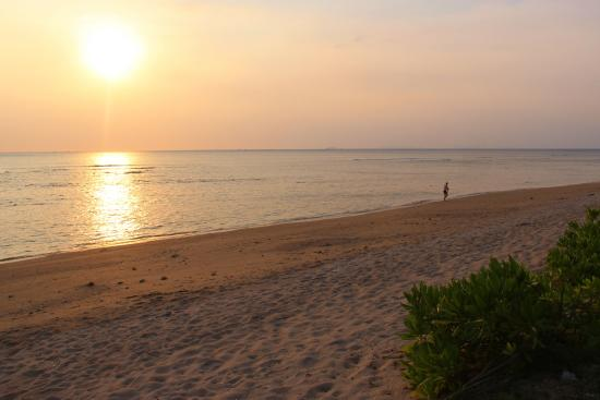 Fisherman's Cottage: Great sunsets at the beach