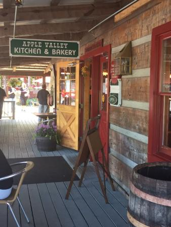 Apple Valley Cafe : Home of the delicious fried pies!