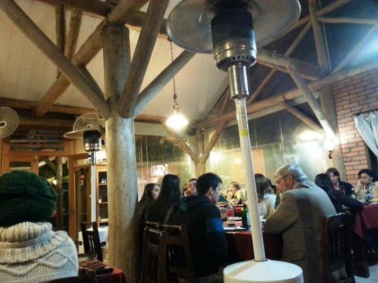 Tarthurel Pizzaria: Interior
