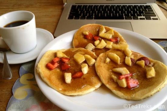 El Hostal Bed and Breakfast: Pancake breakfast