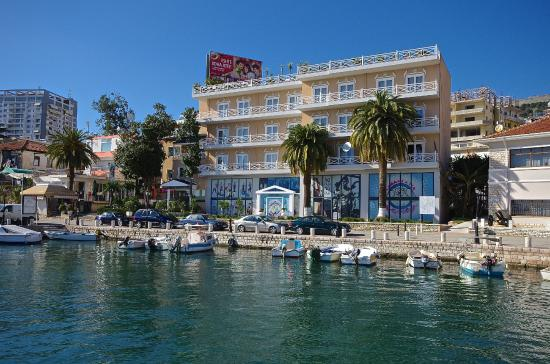 Photo of Hotel Porto Eda Sarande