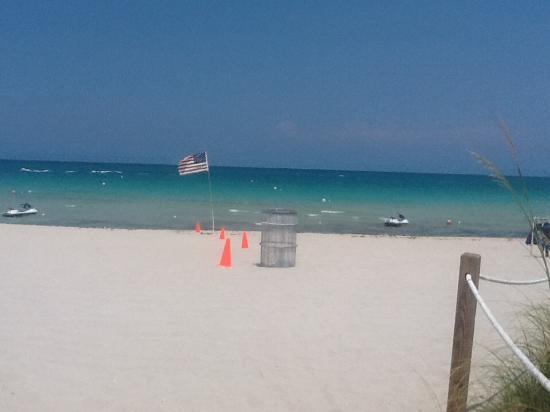 Sole On The Ocean Miami Beach Nice White Sand