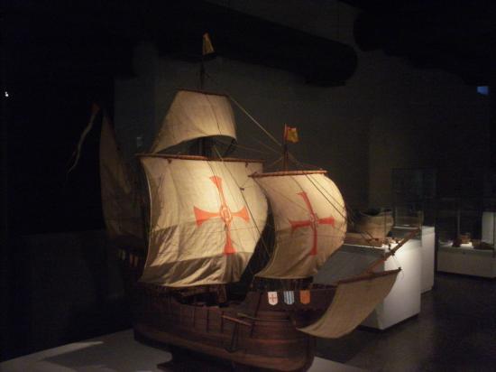 Paranaense Museum: Outro barco