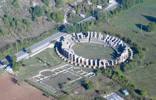 Anfiteatro Romano di Amiternum