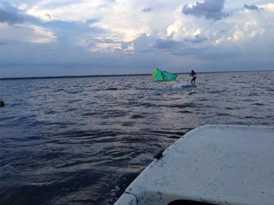 Leading Edge Kite School : First time up! Almost cruisin...