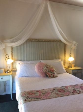 Allara Homestead Bed & Breakfast Photo