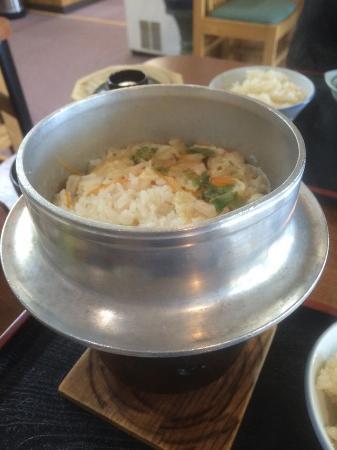 Hanayamaonsen: お昼に頂いた釜飯
