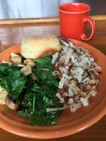 Streamliner Diner: Tofu scramble with buttermilk biscuit and hash browns -- YUM!!!