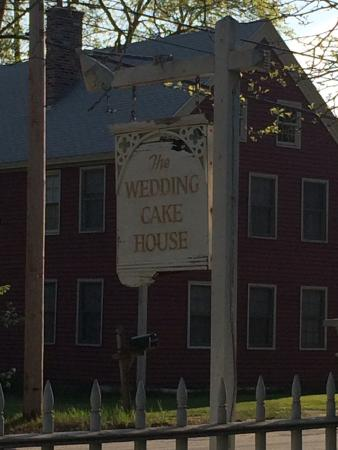 Wedding Cake House: photo2.jpg