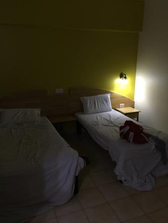 Tom's Hotel Bangalore: photo0.jpg