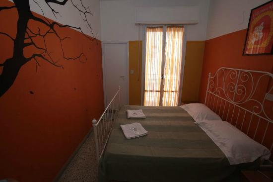 Sunflower City Backpacker Hostel & Bar: Double Room