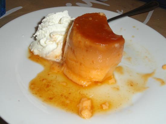 Palafrugell, Spanien: Flam de vainilla con nata, no tenía demasiado sabor