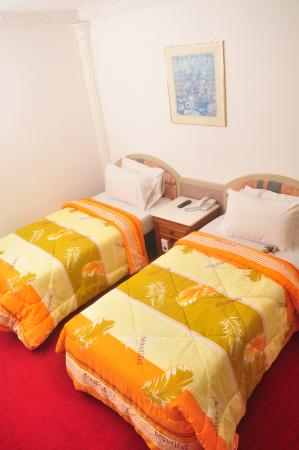 Easy Crystal Hotel: Superior Twin Bed