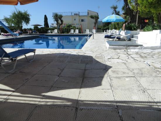 Alexandros: Pool area