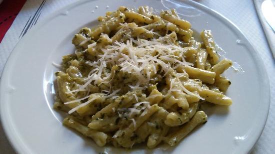 Nancy Bar Cafeteria - Panini & Tapas: casarecci al pesto